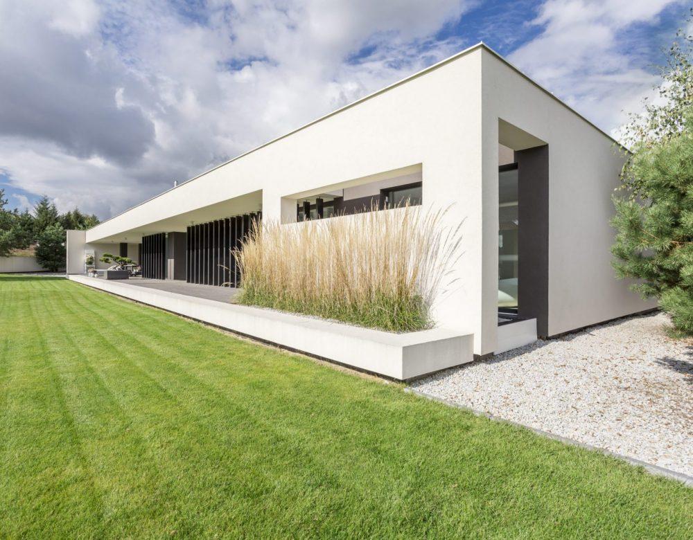 Rectangualr block of minimalistic, modern and geometric villa